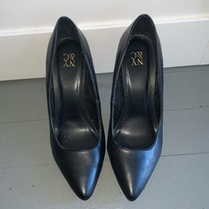 Black pointed heel